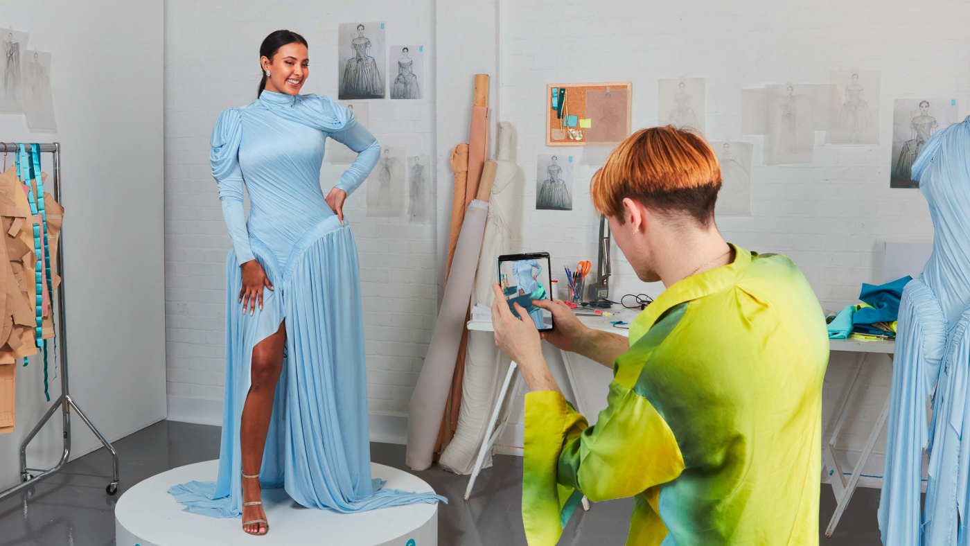 EE Augmented Reality Dress