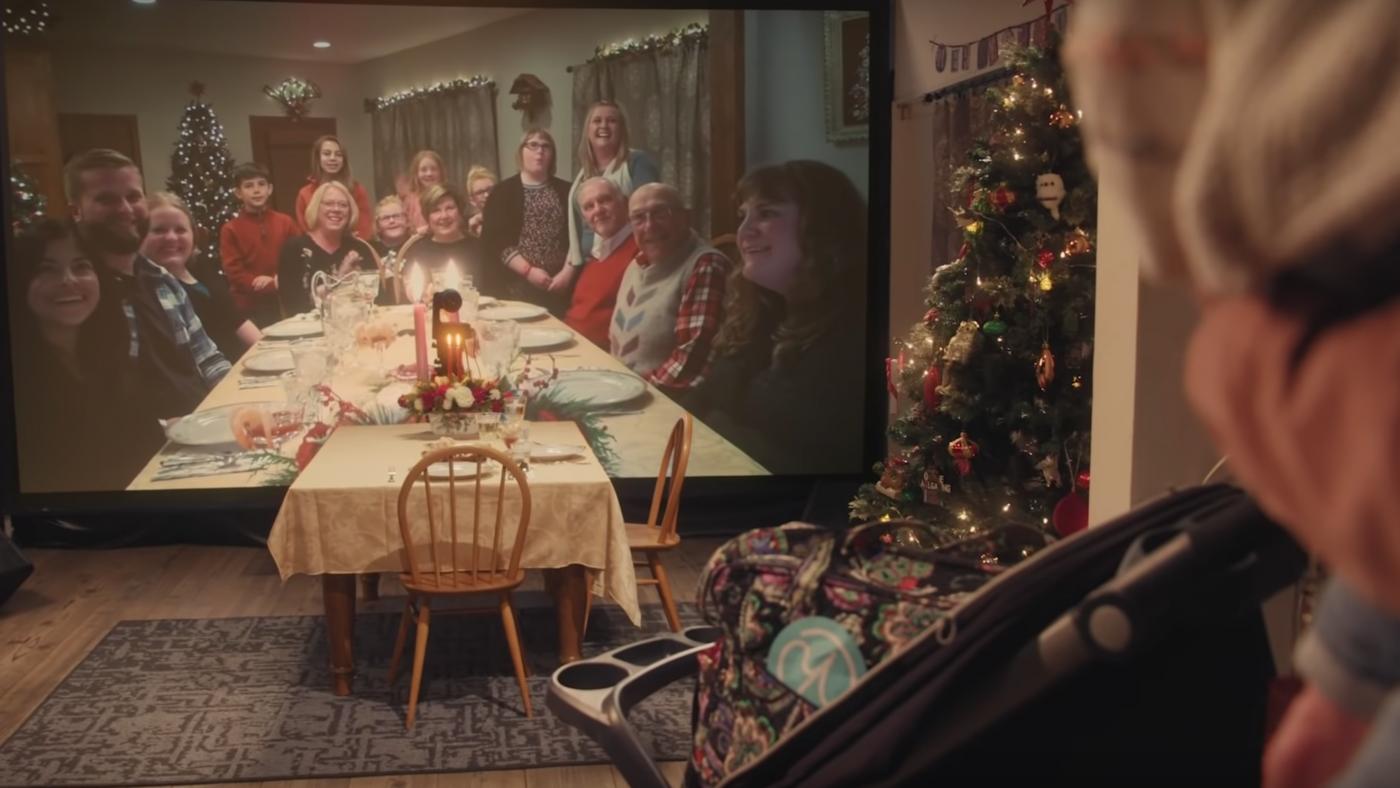 Teleflora Christmas Table
